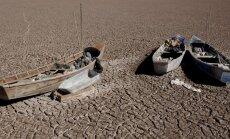 Unikāli foto: Bolīvijā pilnībā izžūst viens no lielākajiem ezeriem