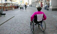 Rīgas bruģis – tas ir vājprāts. Aktuālākās problēmas cilvēkiem ar invaliditāti