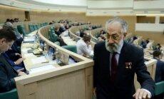 Krievijas ierēdņiem plāno liegt doties uz ārzemēm