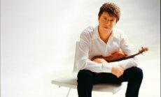 Džošua Bella koncerts Jūrmalā: teju četrus miljonus dolāru vērtās Stradivāri vijoles stāsts