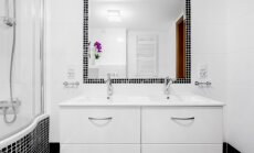 Ne par lielu, ne par mazu – kā izvēlēties vannasistabai piemērotāko spoguli