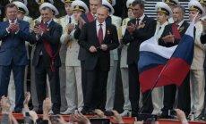 Avots: Krievijas iedzīvotājus spiež doties atpūsties uz Krimu