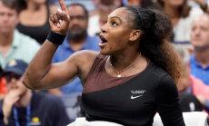 Серена Уильямс упрекнула своего тренера в клевете после скандала в финале US Open