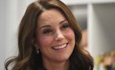 Кейт Миддлтон может лишиться компенсации за топлесс-фото из-за Меган Маркл