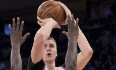 Porziņģis atgriežas laukumā un palīdz 'Knicks' pārtraukt sešu zaudējumu sēriju