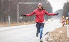 Skrējiens no Rīgas līdz Valmierai kā dāvana sev svētkos. Ultramaratonistes Martas stāsts