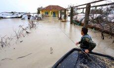 Albānijā lietusgāžu izraisīti plūdi liek evakuēt simtiem cilvēku