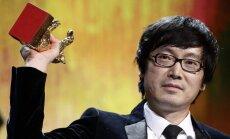 Prestižo 'Zelta lāci' saņem Ķīnas režisors par krimināldrāmu