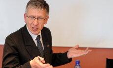 'Oligarhu komisija' sākas ar apvainojumiem