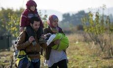 Junkers nosoda lēno patvēruma meklētāju pārvietošanu ES