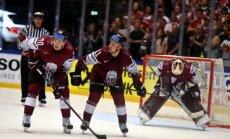 Latvijas hokeja izlase PČ ceturtdaļfinālā tiekas ar zaudējuma rūgtumu vēl neizjutušo Zviedriju