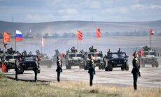 Foto: Krievijā notiek vērienīgās militārās mācības 'Vostok 2018'