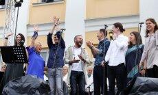 Foto: Bruknā izskanējis sirsnīgais 'Uzcel savu baznīcu!' koncerts
