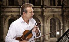 Vijolnieks Raimonds Ozols koncertēs kopā ar grupu 'Zodiac'
