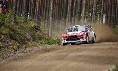 Mīke Somijas WRC posma otrajā dienā palielina pārsvaru pār Latvalu