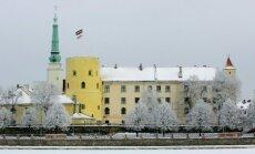 Берзиньш озабочен судьбой флага на Рижском замке