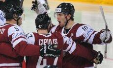 Dārziņa 'hat-trick' sekmē Latvijas uzvaru pār pasaules vicečempioniem