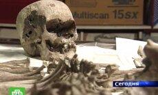 Krievijā ekshumē nogalinātā cara Nikolaja II un viņa sievas mirstīgās atliekas