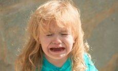 Nekliedz uz bērniem, lai izpatiktu svešiniekiem: daudzbērnu tēvs par dusmu lēkmēm publiskā vietā