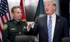Tramps pie Floridas slaktiņa vaino FIB aizņemtību ar 'neesošu' problēmu