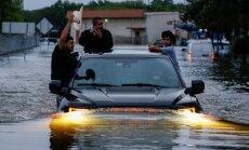 'Hārvijs' turpina plosīties Teksasā: Hjūstonu piemeklē plaši plūdi