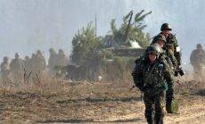 Foto: Ukrainas armija stiprina kaujas prasmes