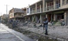 Foto: 'Kravas automašīnas - bumbas' sprādziens pilnībā noposta Kabulas rajonu