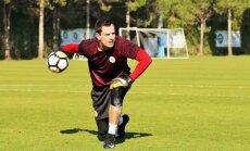 Foto: Latvijas futbola izlase Turcijā aizvada gada pirmo treniņnometni