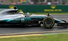 Jaunā F-1 sezona sākas ar Hamiltona ātrāko apļa laiku un Palmera avāriju
