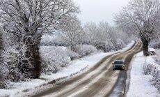Аугулис призывает автоводителей своевременно сменить покрышки на зимние