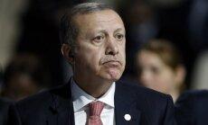 Erdogans sola atkāpties, ja Krievija pierādīs 'Daesh' naftas piegādes Turcijai