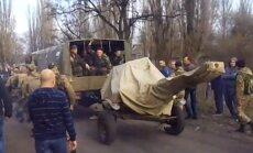 Video apkopojums: Ukrainas armija pulcējas valsts austrumos