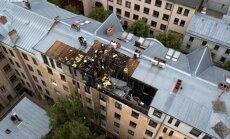 Foto: Lokalizēts ugunsgrēks Vārnu ielā Rīgā