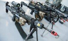 Baltais nams: ASV valdība tuvākā nākotnē nepiegādās ieročus Ukrainai