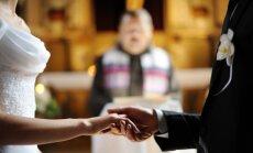 Mūsdienu tendence: pāri izvēlas askētiskas un mazāk emocionālas laulību ceremonijas