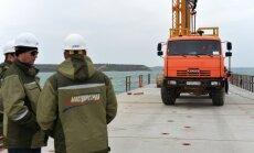 Tilta uz Krimu būvniecībā kritiska situācija; nespēj nodrošināt tempu