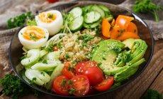 Kad gaļas vietā stājas avokado: 20 salātu receptes vasarīgām maltītēm