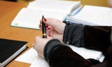 Saeima atbalsta likumu 'Čekas maisu' dokumentu izpētei