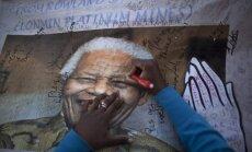 Zuma: Mandela reaģē uz ārstēšanu