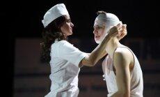 Foto: Godalgotais romāns 'Svina garša' uz Nacionālā teātra skatuves