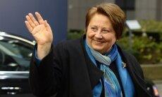 Latvijai jāpārskata migrācijas politika, uzskata Straujuma