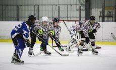 Foto: Pirmajā NBS hokeja čempionātā triumfē Kanādas karavīri