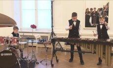 Video: Brāļu Grīnbergu muzicēšana Rīgas pilī saviļņo feisbuka lietotājus
