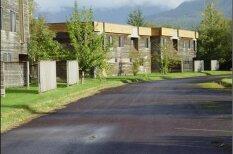Pamestā un slēgtā spoku pilsēta Kanādā, kas gaida dzīvības atgriešanos