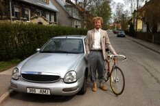 В Эстонии объявился хипстер, который фотографируется только с Ford Scorpio