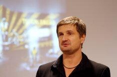 Stendzenieks aktivizē Artura Kaimiņa aizstāvjus internetā