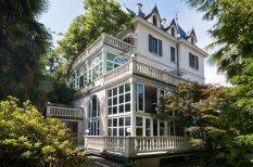 Aristokrātiskā vasaras māja