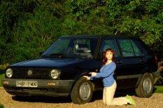 Gumijas lelle pārdod 'VW Golf'