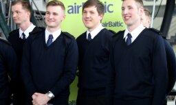 Foto: Durvis ver 'airBaltic' Pilotu akadēmija