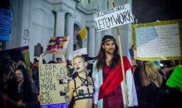Foto: Striptīzdejotājas Ņūorleānā protestē pret naktsklubu slēgšanu